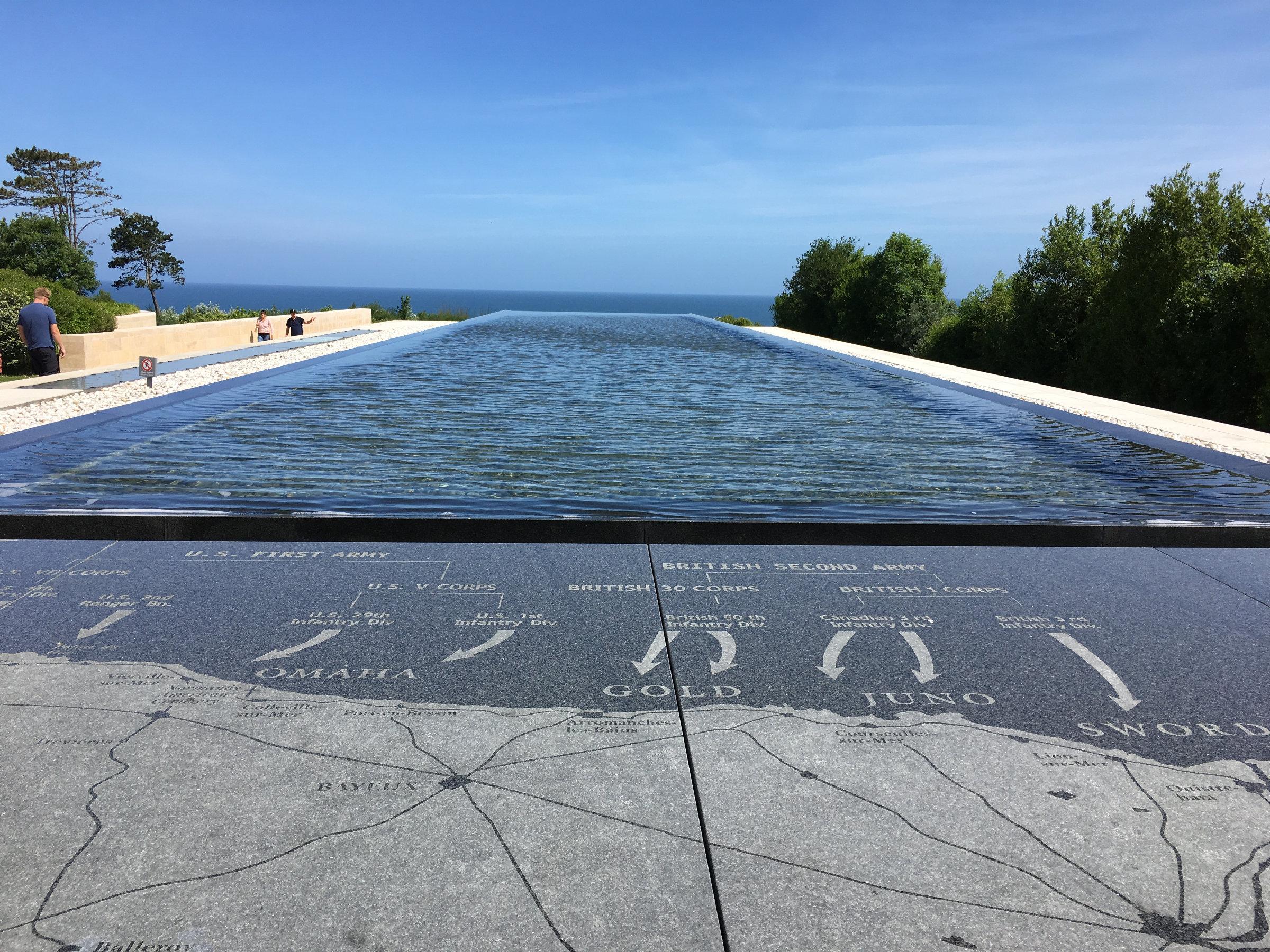 Normandie Soldatenfriedhof Wasserinstallation