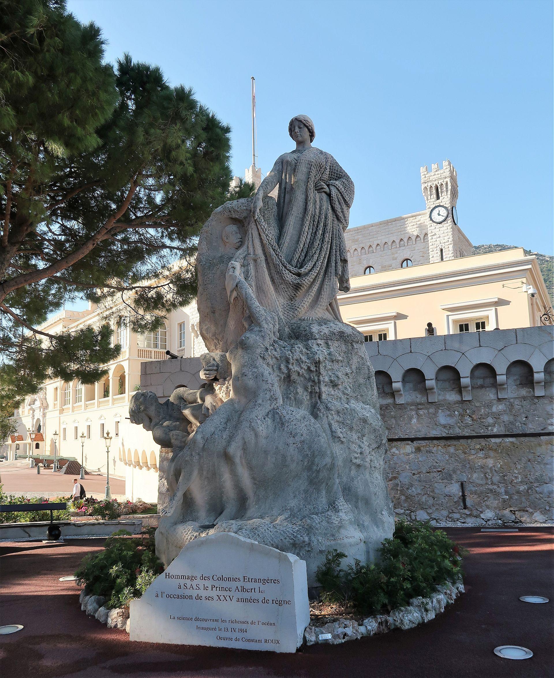 Statue in der Altstadt von Monte Carlo